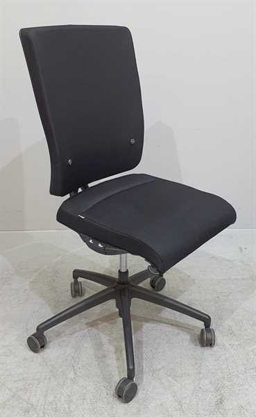 Interstuhl YOS / Y152- Bürodrehstuhl ohne Armlehne