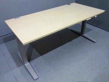 K & N - Steh- Sitz- Schreibtisch 160 cm, ahorn