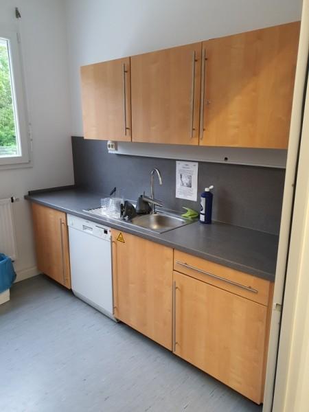 Küchenzeile inkl. 2x Kühlschränke / Spülmasch.