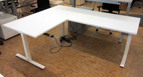 Winkel-Steh-Sitz-Tisch 220 x 180 cm
