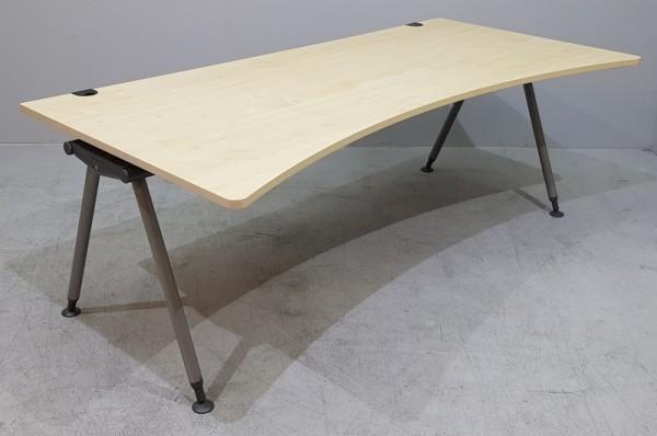 Schärf - Ergoform - Schreibtisch 200 cm, ahorn