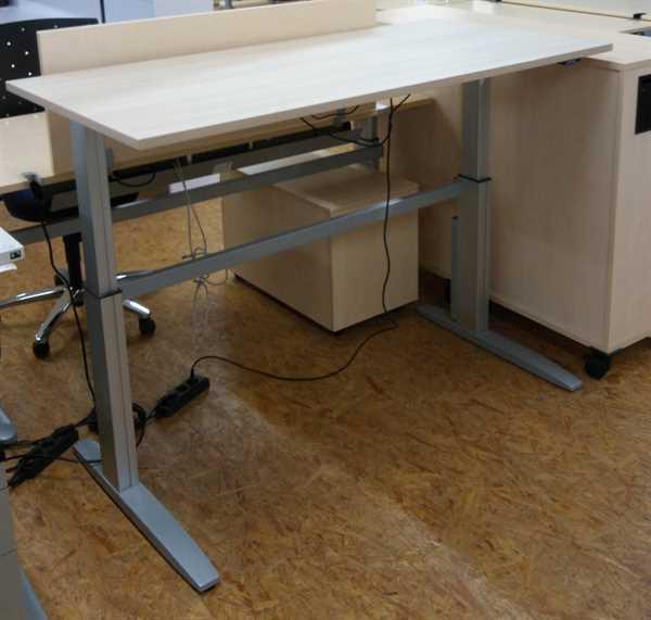 K & N - Steh- Sitz- Schreibtisch 160 cm, akazie
