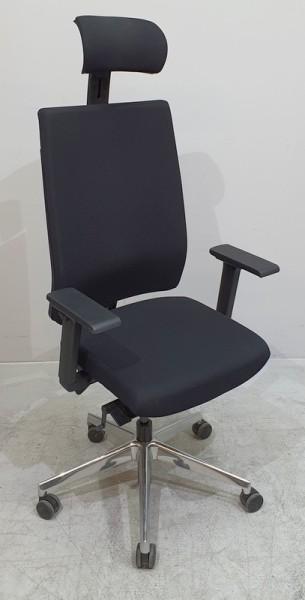 Kinnarps - Bürodrehstuhl schwarz mit Kopfstütze