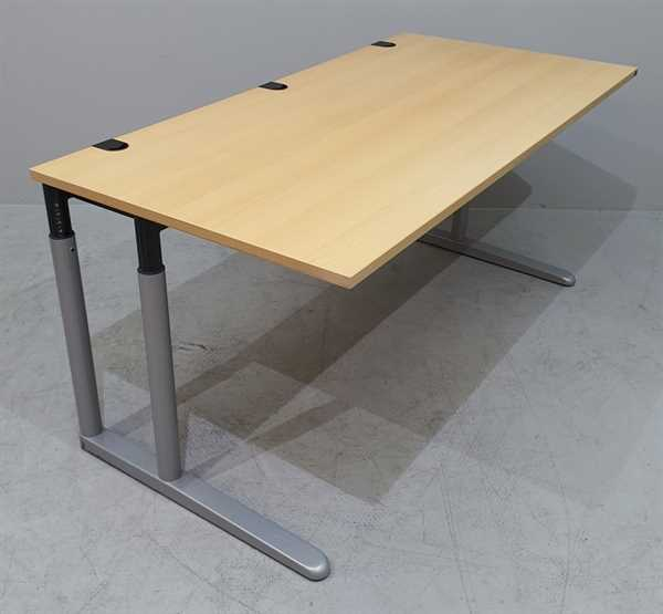 K & N - Schreibtisch 200 cm, buche